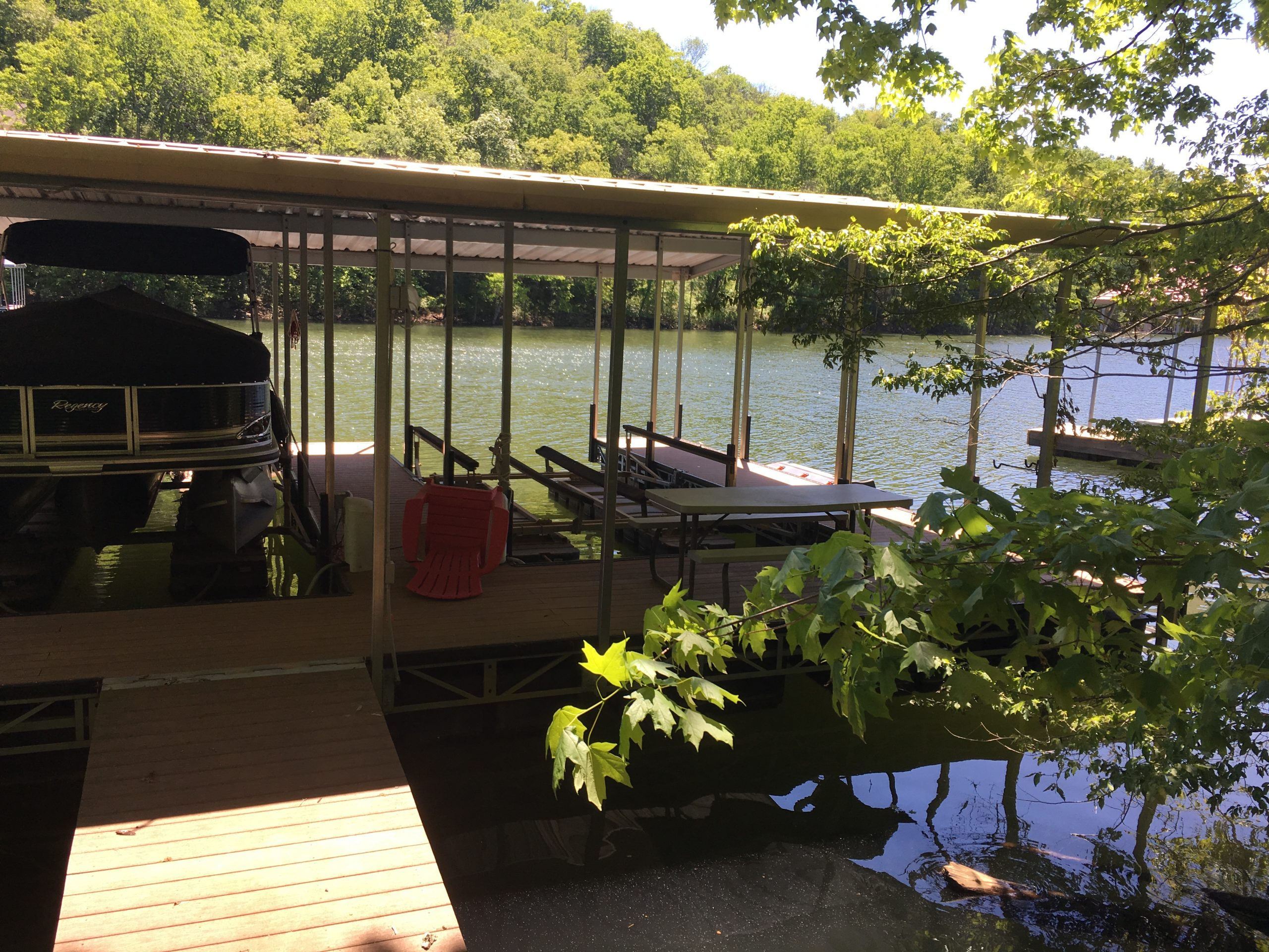 Beautiful Norris Lake House Rental | Bullwinkle Inn - sleeps 16 | Dock | Norris Lake Villas