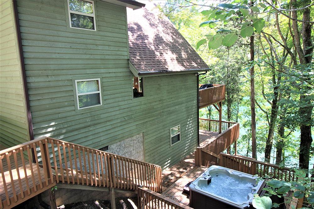 Norris Lake Cabin Rentals | Harmony Hill Lakeside Cabin Hot Tub | Norris Lake Villas