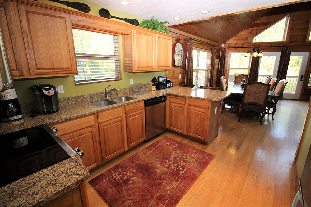 Norris Lake Cabin Rentals | Blue Water lodge Lakeside Cabin Kitchen | Norris Lake Villas