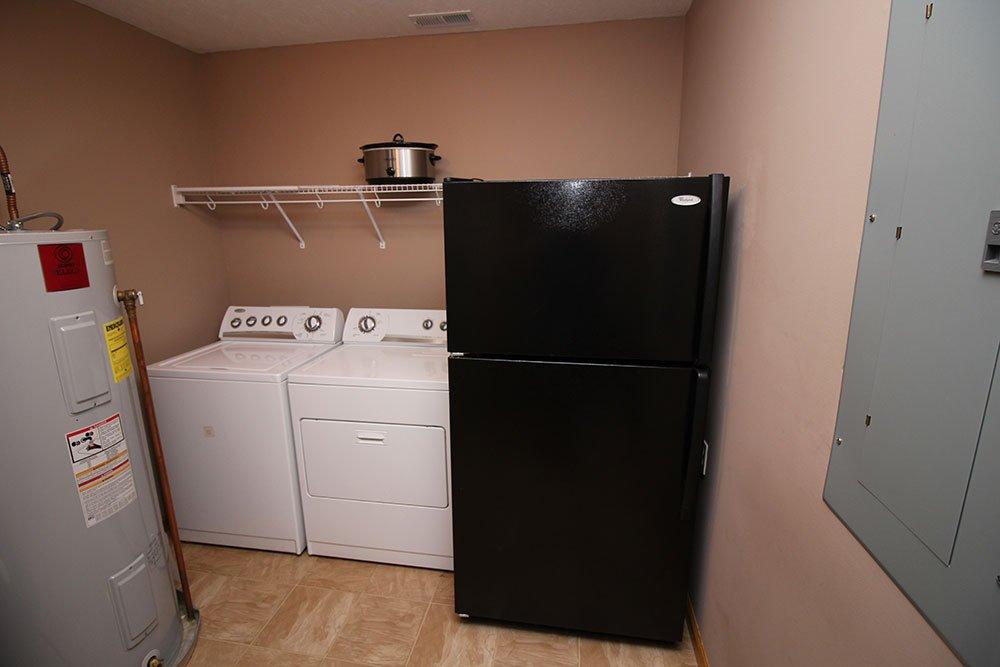 Norris Lake Cabin Rentals | Wildwood Lakeside Cabin Laundry Room | Norris Lake Villas