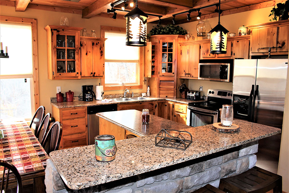 Norris Lake Cabin Rentals | Happy House Lakeside Cabin Kitchen | Norris Lake Villas