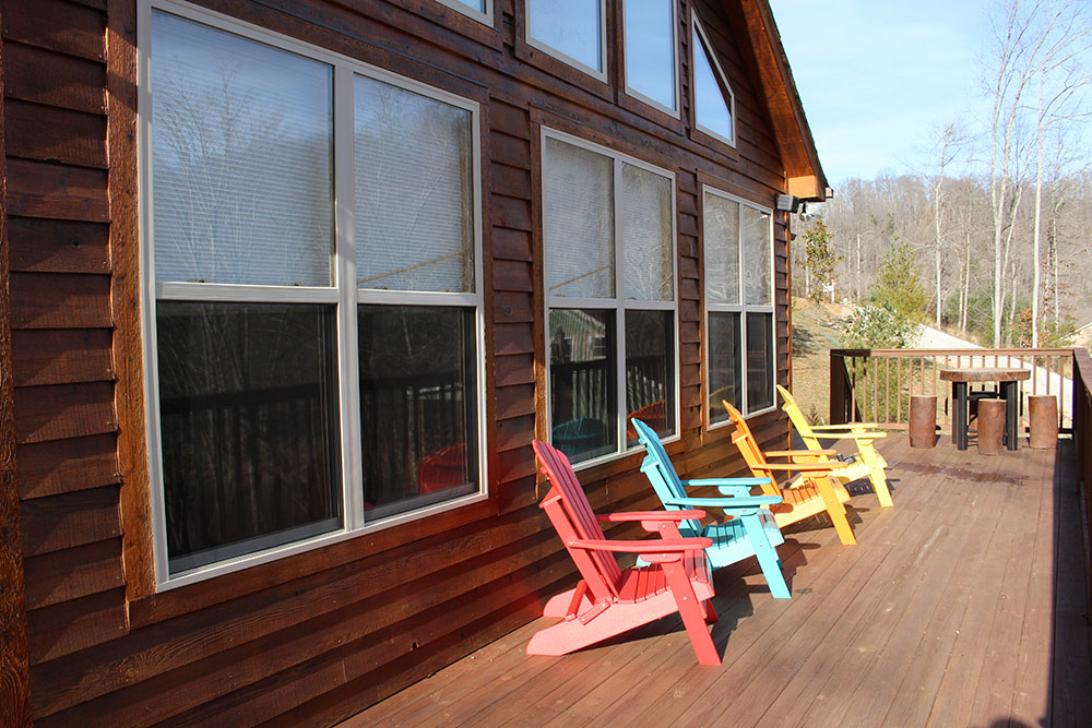 Norris Lake Cabin Rentals | Happy House Cabin Deck | Norris Lake Villas