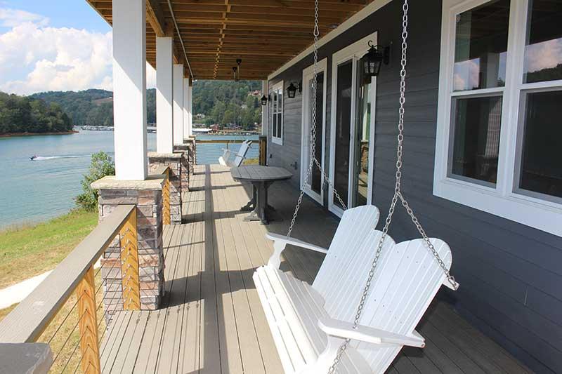 Norris Lake Cabin Rentals | J&J's Getaway Cabin Porch | Norris Lake Villas