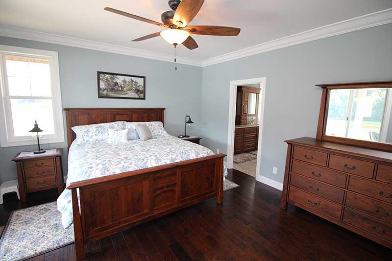 Norris Lake Cabin Rentals | J&J's Getaway Cabin Bedroom | Norris Lake Villas