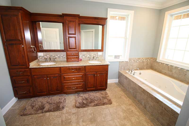 Norris Lake Cabin Rentals | J&J's Getaway Cabin Bathroom | Norris Lake Villas