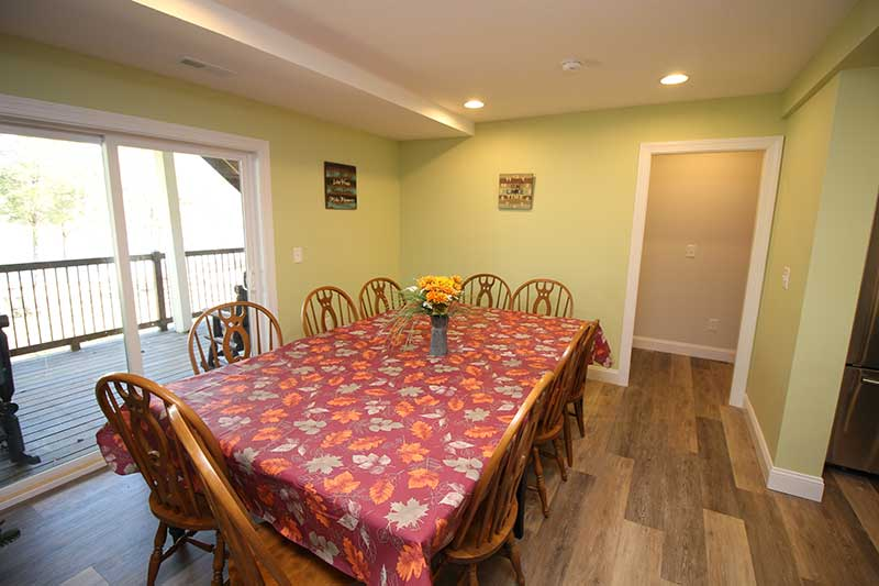 Norris Lake Cabin Rentals   Knot 4 Reel Cabin Dining Room   Norris Lake Villas