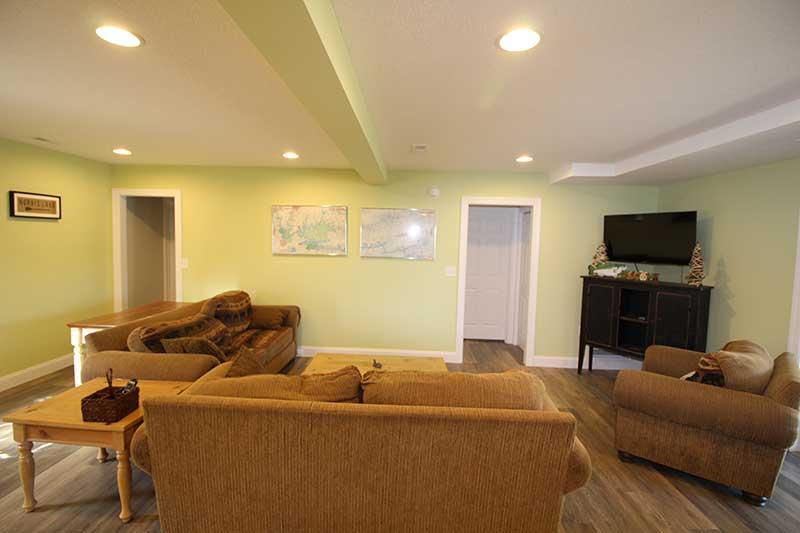Norris Lake Cabin Rentals   Knot 4 Reel Cabin Living Room   Norris Lake Villas