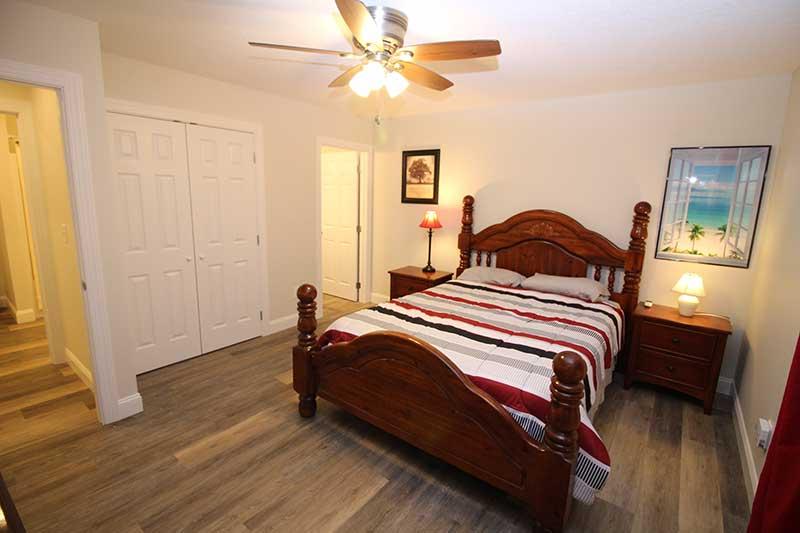 Norris Lake Cabin Rentals | Knot 4 Reel Cabin Bedroom | Norris Lake Villas