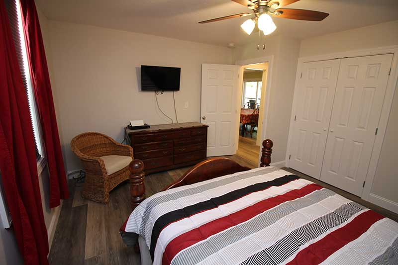 Norris Lake Cabin Rentals | Knot 4 Reel Cabin Bedroom | Norris Lake Villas
