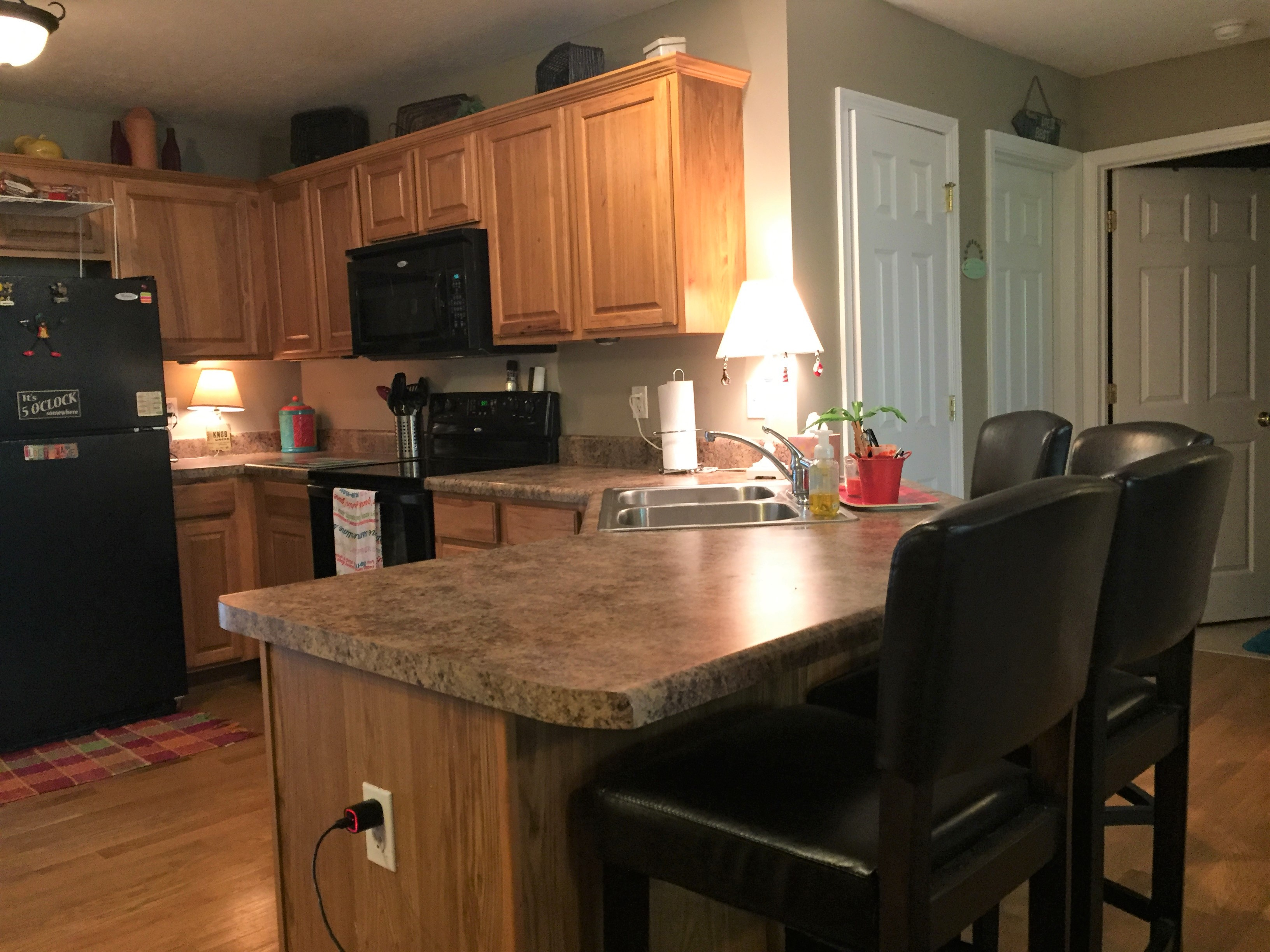 Norris Lake Cabin Rentals | Lakeside Estates Condo Cabin Kitchen | Norris Lake Villas