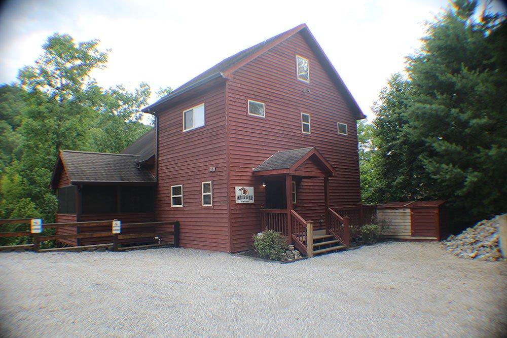 Norris Lake Cabin Rentals | Bottoms Up Cabin | Norris Lake Villas