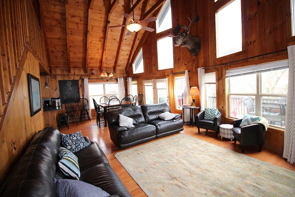 Beautiful Norris Lake House Rental   Bullwinkle Inn - sleeps 16   Norris Lake Villas