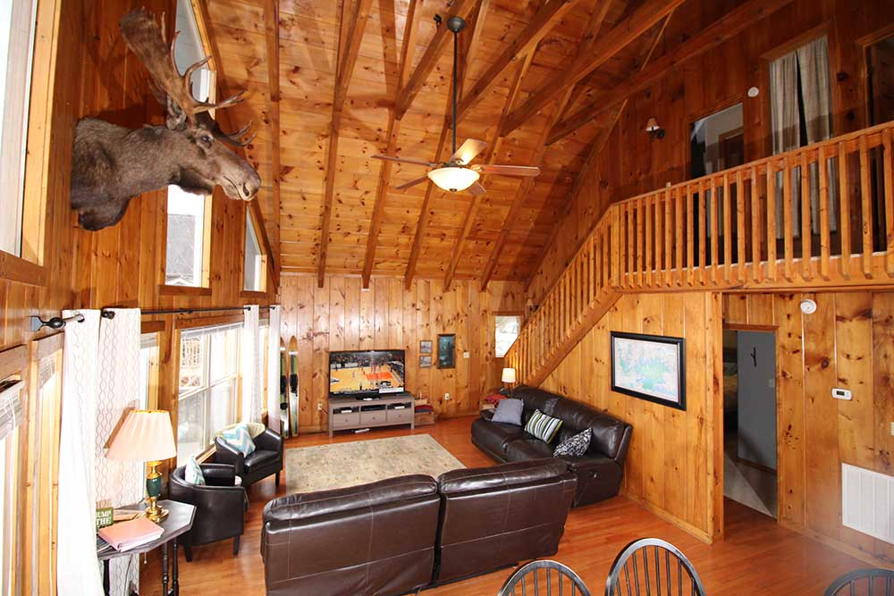 Beautiful Norris Lake House Rental | Bullwinkle Inn - sleeps 16 | Norris Lake Villas