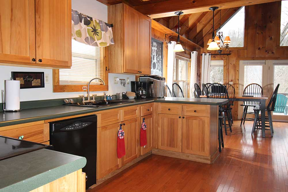 Beautiful Norris Lake House Rental | Bullwinkle Inn - sleeps 16 | Kitchen 2 | Norris Lake Villas