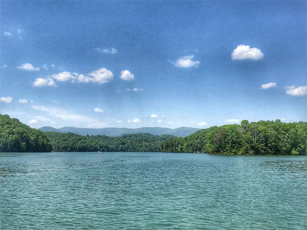 Norris Lake Cabin Rentals | Bent Ski Hideaway Lakeside Cabin | Norris Lake Villas