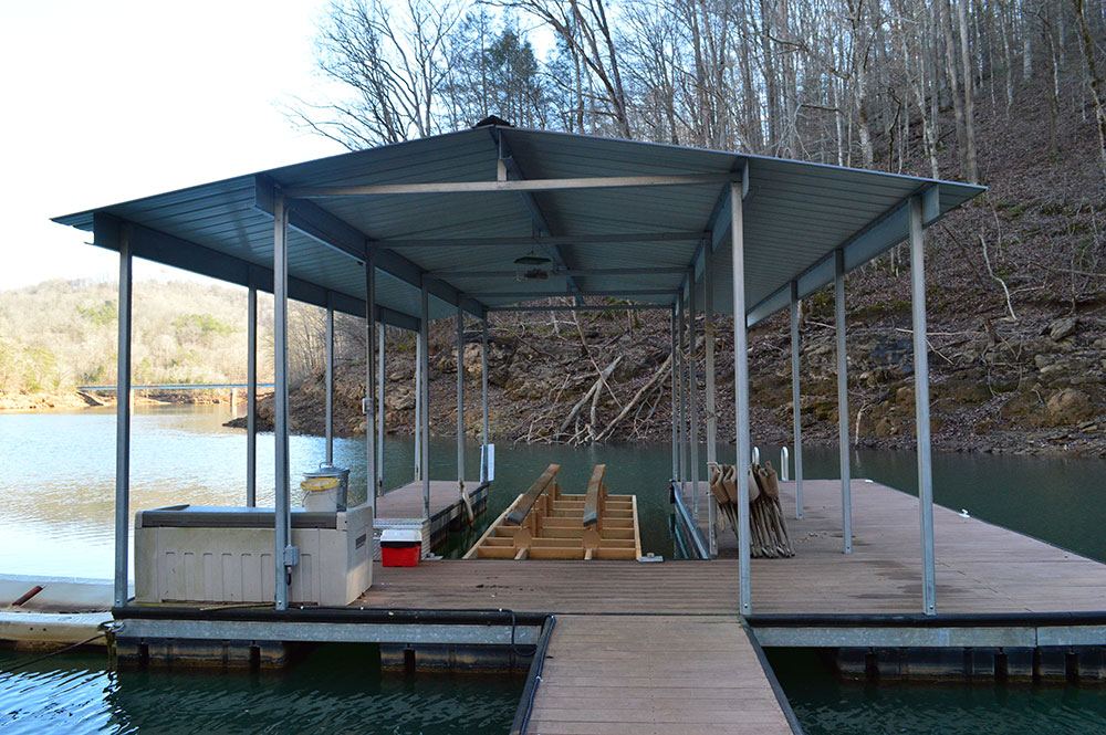 Norris Lake Cabin Rentals | Happy House Lakeside Cabin Dock | Norris Lake Villas