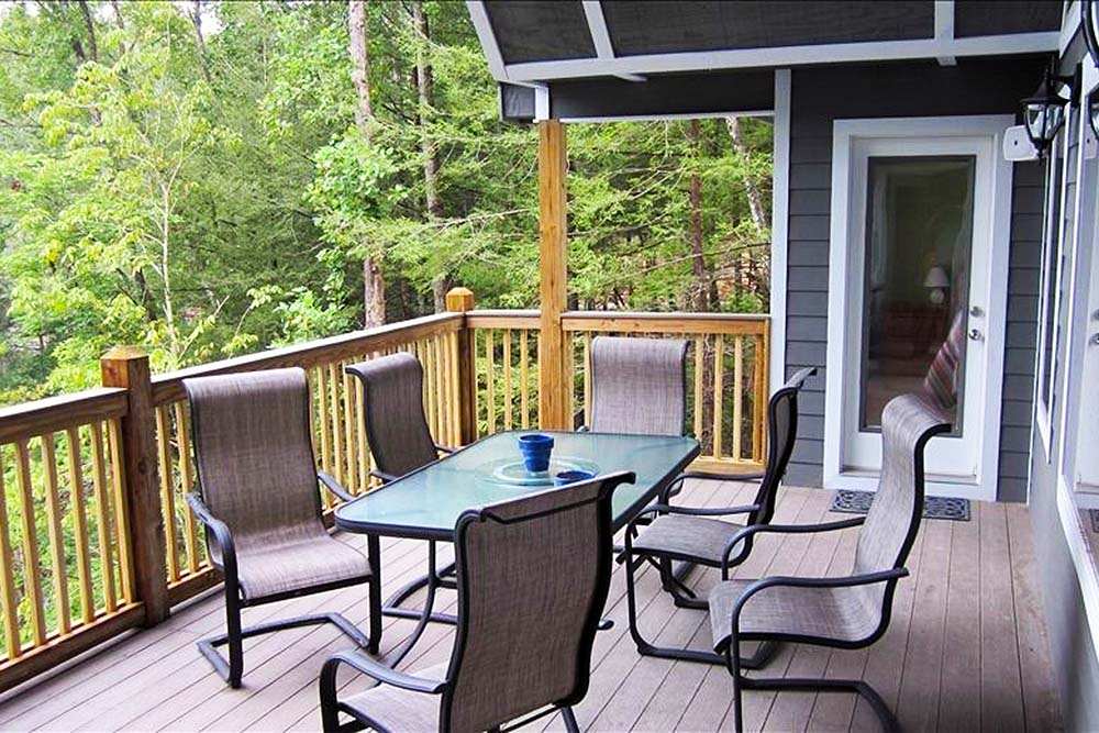 Norris Lake Villas | Norris Lake Cabin Rentals | Big Dipper Lakeside Cabin Upper Deck