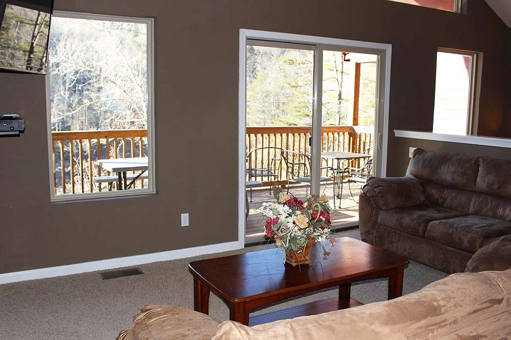 Norris Lake Villas | Norris Lake Cabin Rentals | Cedar Cove Lakeside Entertainment Room