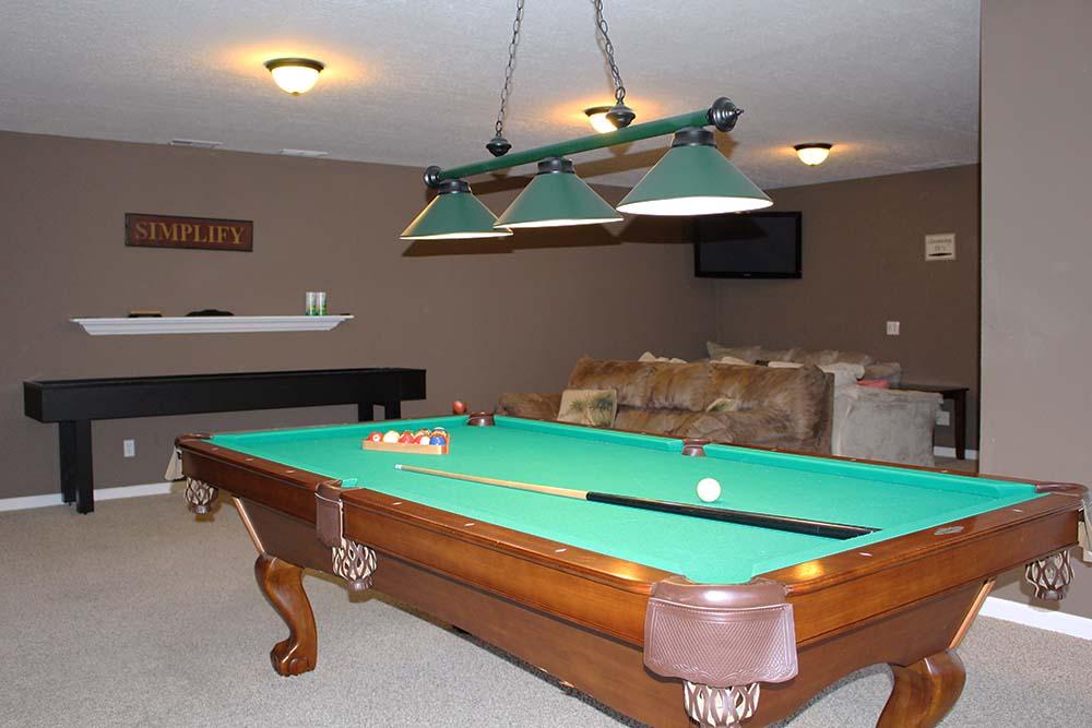 Norris Lake Villas | Norris Lake Cabin Rentals | Cedar Cove Lakeside Entertainment Room