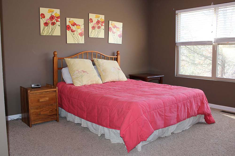 Norris Lake Villas | Norris Lake Cabin Rentals | Cedar Cove Lakeside Cabin Bedroom