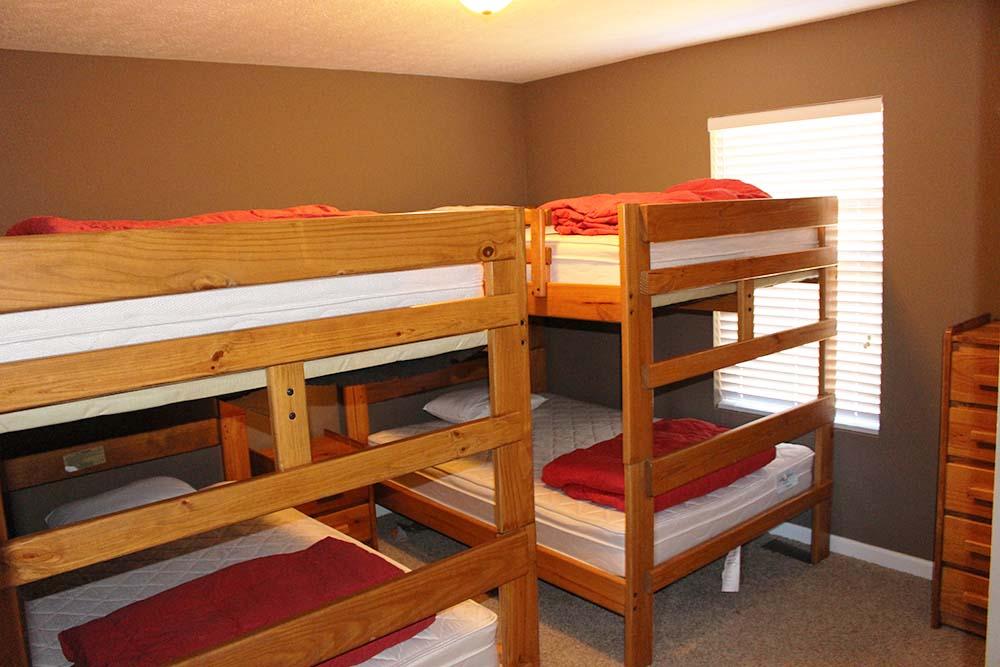 Norris Lake Villas | Norris Lake Cabin Rentals | Cedar Cove Lakeside Cabin Bunk Beds