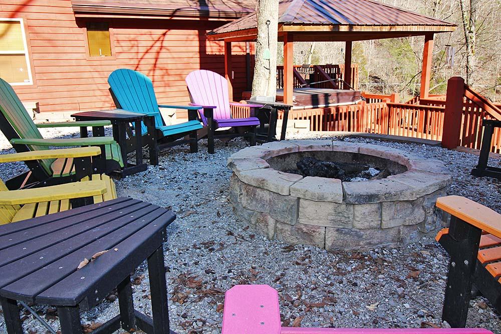 Norris Lake Cabin Rentals | Knopp's Landing Lakeside Cabin Fire Pit | Norris Lake Villas