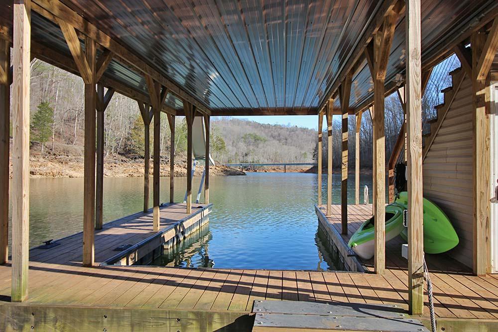 Norris Lake Cabin Rentals | Knopp's Landing Lakeside Cabin Dock | Norris Lake Villas