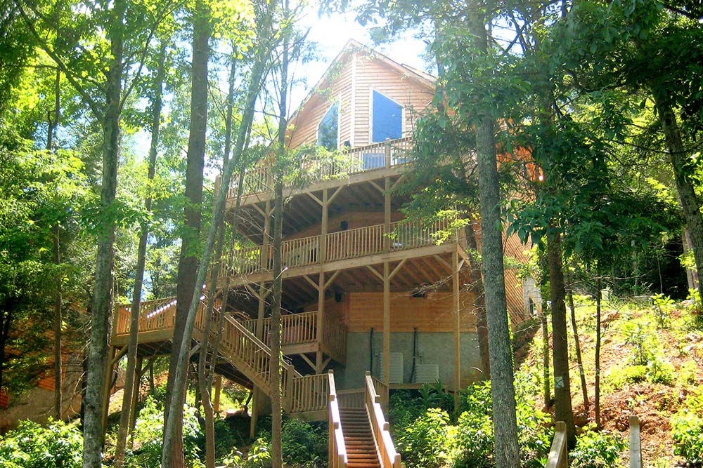 Norris Lake Villas | Norris Lake Cabin Rentals | Night Sky Lakeside Cabin view from the dock