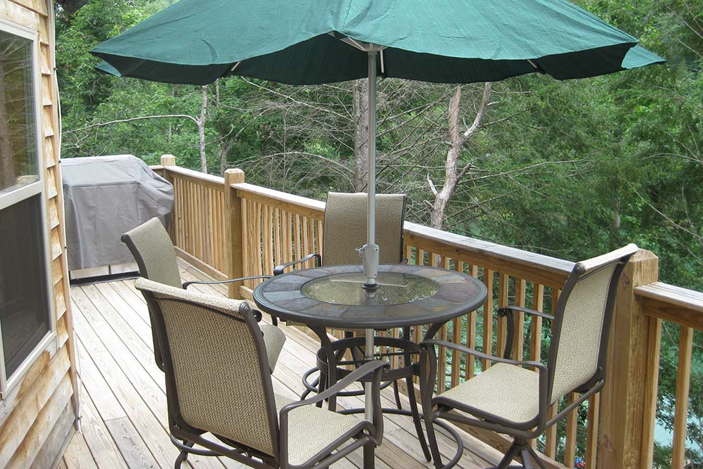 Norris Lake Villas | Norris Lake Cabin Rentals | Night Sky Lakeside Cabin Deck Balcony