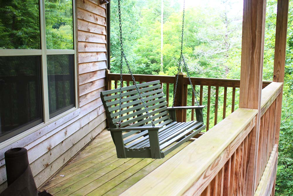 Norris Lake Villas | Norris Lake Cabin Rentals | Shady Grove Lakeside Cabin Porch Swing
