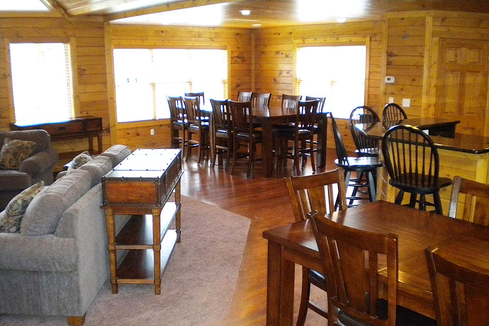 Norris Lake Villas | Norris Lake Cabin Rentals | Slice of Heaven Lakeside Dining Room
