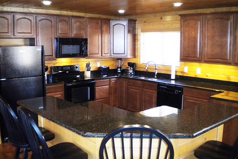 Norris Lake Villas | Norris Lake Cabin Rentals | Slice of Heaven Lakeside Cabin Kitchen
