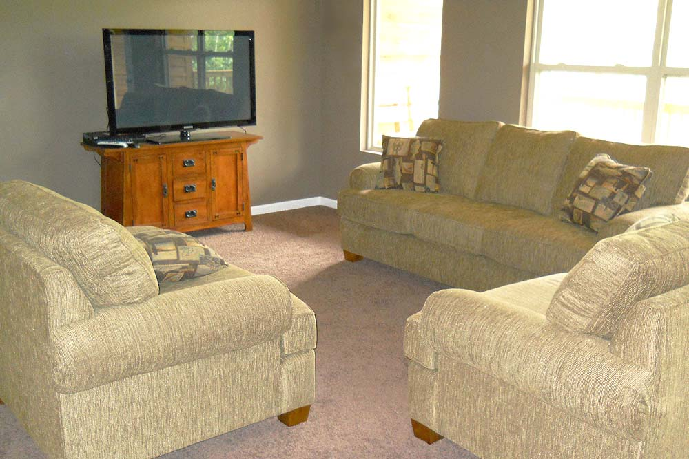 Norris Lake Cabin Rentals | Slice of Heaven Living Room | Norris Lake Villas