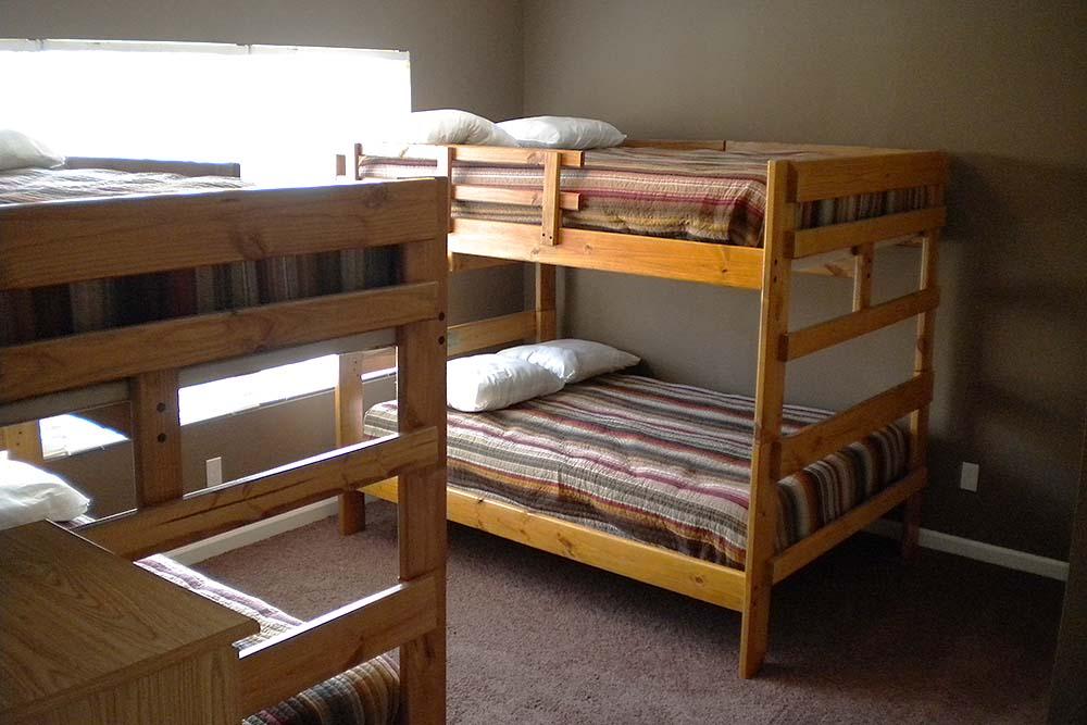 Norris Lake Villas | Norris Lake Cabin Rentals | Slice of Heaven Lakeside Cabin Accommodations Bunk Beds