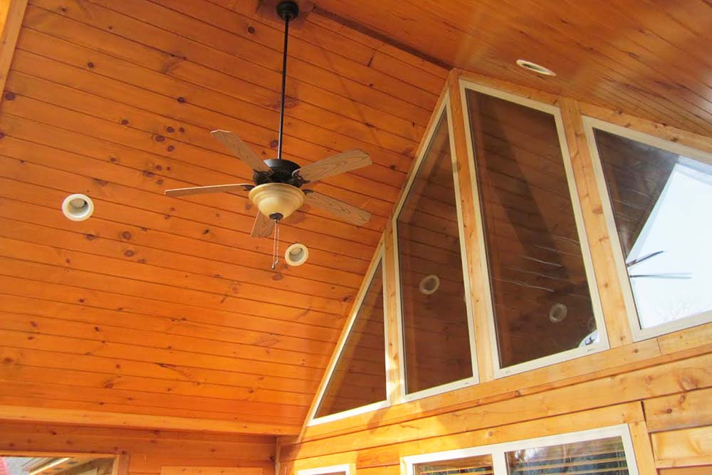Norris Lake Villas | Norris Lake Cabin Rentals | Slice of Heaven Lakeside Cabin Ceiling Fan