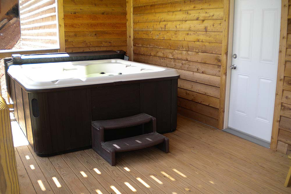 Norris Lake Cabin Rentals | Slice of Heaven Lake Side Cabin Hot Tub | Norris Lake Villas