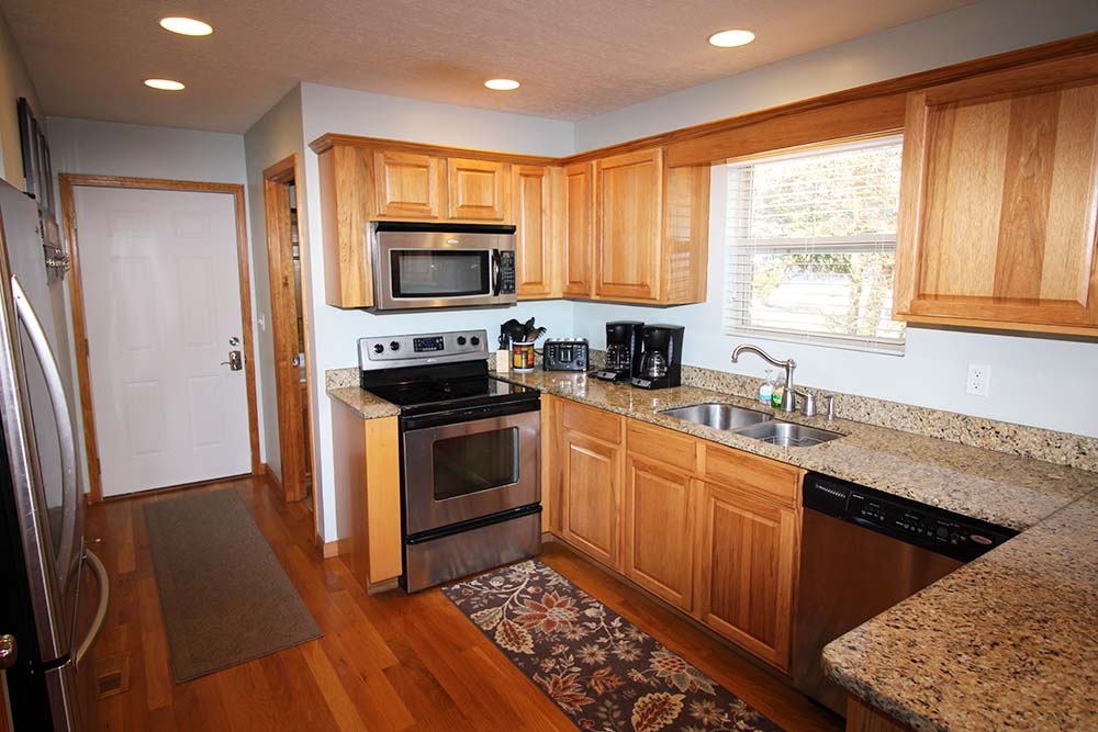 Norris Lake Villas | Norris Lake Cabin Rentals | Wake Dreams Lakeside Cabin Kitchen