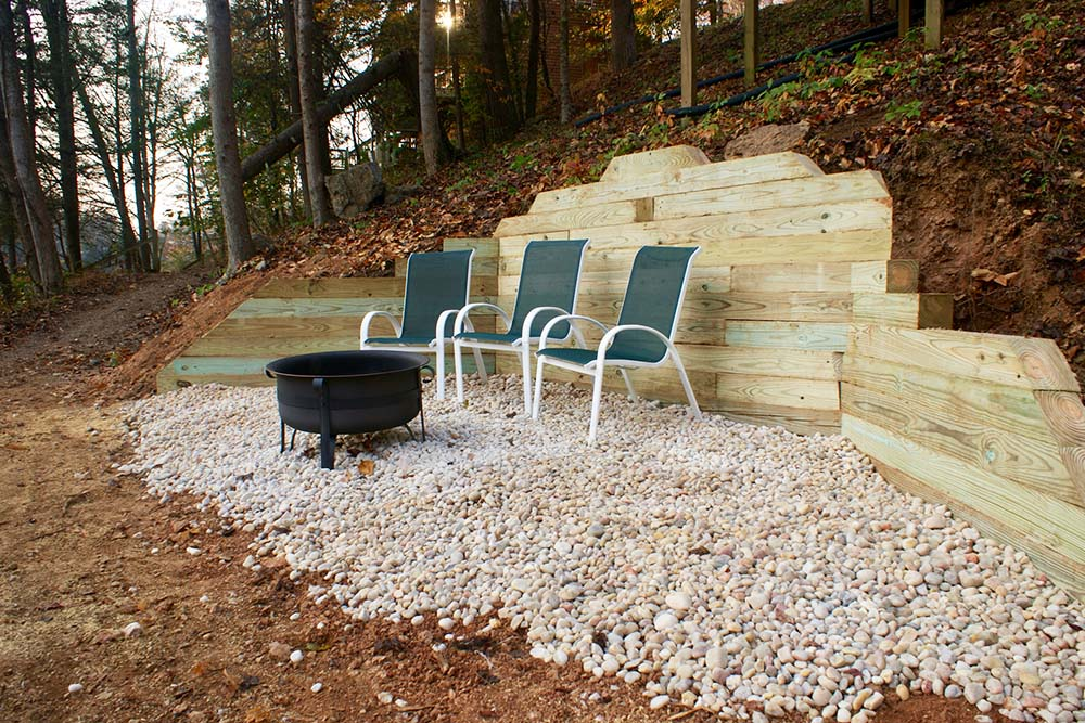 Norris Lake Villas | Norris Lake Cabin Rentals | Wake Dreams Lakeside Cabin Fire Pit